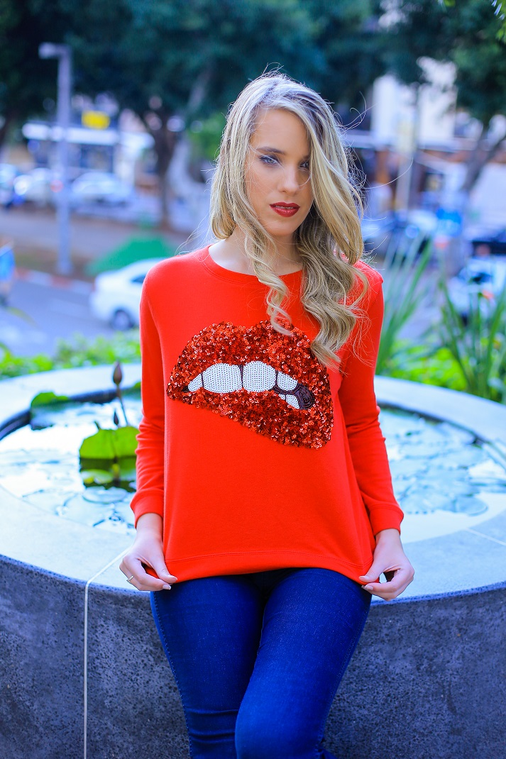 PRINTED TOPS - NEW ADDICTION.... me with a red top