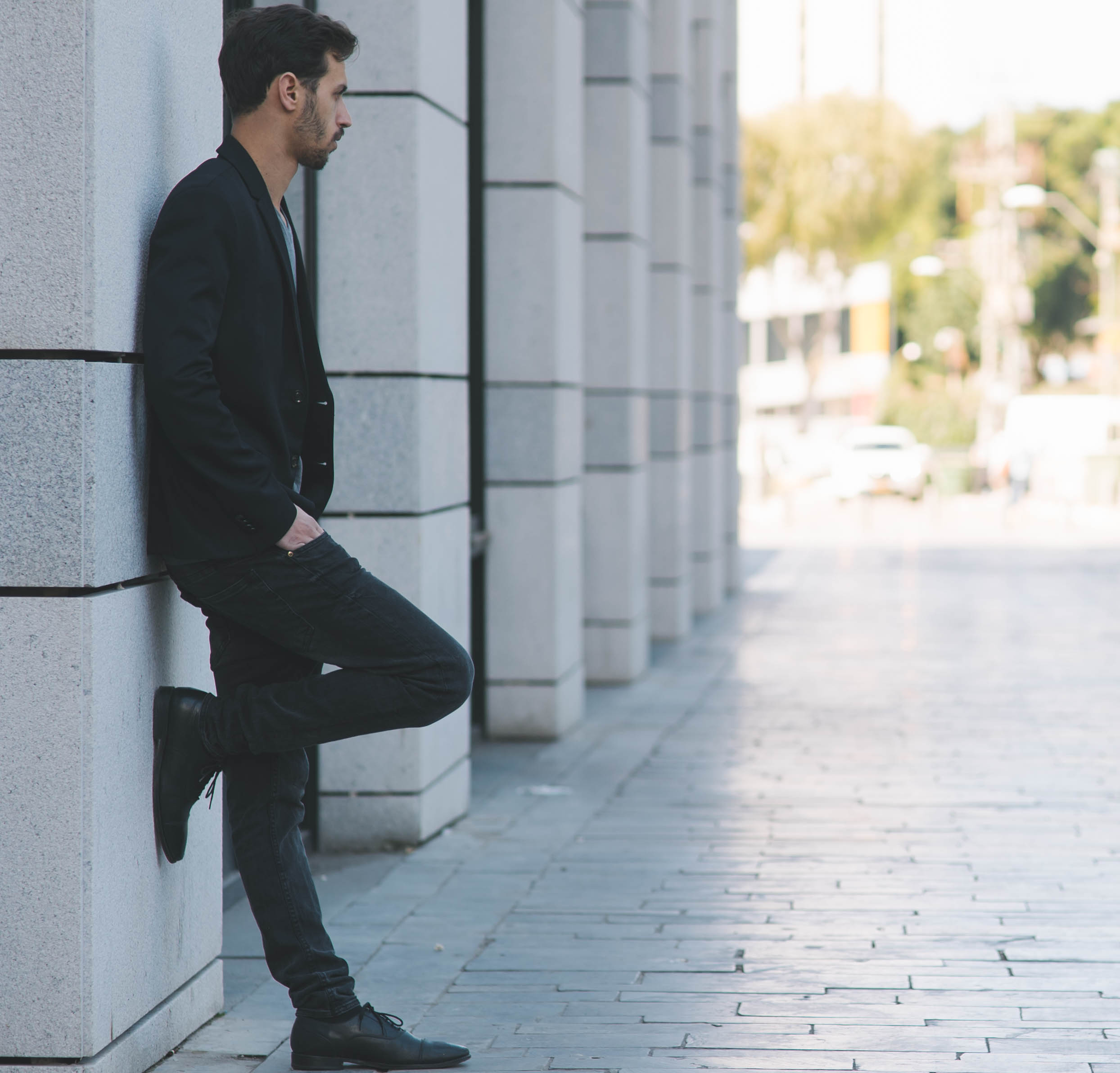 Monthly men crush-Tamir Freilich lean back pose
